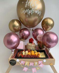 Diy Baby Shower Decorations, Diy Birthday Decorations, Balloon Decorations, Sweet Magic, Decoration Plante, Birthday Breakfast, Balloon Gift, Sweet Box, Birthday Box