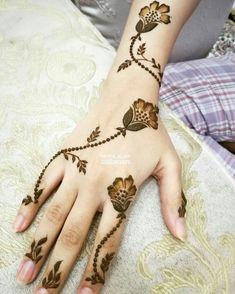55 ideas for tattoo girl body flower Khafif Mehndi Design, Mehndi Designs Book, Finger Henna Designs, Arabic Henna Designs, Stylish Mehndi Designs, Mehndi Designs For Beginners, Mehndi Designs For Girls, Mehndi Design Pictures, Mehndi Designs For Fingers