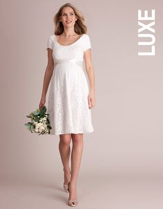 de6aaaf2359 42 Best Plus Size Maternity Wedding Dresses   Pregnancy Attire ...