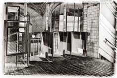 Fotografía Antigua estacion de Chamberi-Madrid por Luis Rguez en 500px Madrid Metro, Xmas, Old Photography, Parking Lot, Antique Photos, Palaces, Past Tense