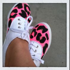 D.I.Y Neon Leopard Shoes   - 20 DIY Makeover Sneakers Ideas