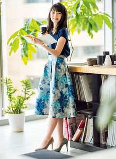 After costuming all days for work reasons, nighttimes and weekends represent about the classycasual look! Office Skirt Outfit, Skirt Outfits, Fashion Pants, Fashion Outfits, Womens Fashion, Japan Fashion, Modest Fashion, Feminine Fashion, Ladies Dress Design