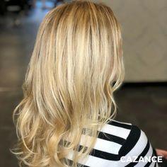 COLORATION, COUPE & COIFFAGE par #Cazance   Noelia voulait retrouver un blond lumineux & plus naturel.  Un balayage californien pour apporter du relief à l'ensemble de la chevelure, avant d'appliquer un glossing « blond blé » pour la brillance & un effet naturel.  La coupe, un dégradé léger pour conserver la matière & donner du volume. Le coiffage souple & légèrement wavy met en valeur les différentes nuances de blond.  #CoupeCheveux #Coiffage #Coloration #LaBiosthetique #Suisse #Geneve… Rides Front, Hair Extensions, Relief, Hair Cuts, Hair Color, Long Hair Styles, Quelque Chose, Beauty, Blog