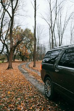Happy trails. We like the sound of crunching leaves beneath the wheels of the 2015 Navigator.