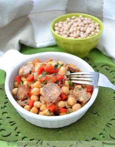 Kolbászos- csicseriborsós egytál Pot Roast, Bab, Cantaloupe, Mexican, Fruit, Ethnic Recipes, Food, Red Peppers, Carne Asada
