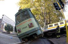 cronaca,italia,prima pagina,roma,scontro treno tram,incidente a roma,incidente treno tram,incidente porta maggiore,