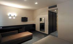 Hotel Casalgrande – by Casalgrande Padana: http://www.casalgrandepadana.it/index.cfm/1,941,0,0,html/Hotel-Casalgrande-Casalgrande-Re-Italia#.UyLHO1GBNKc