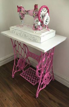 Shabby chic decor 20 easy & gorgeous diy shabby chic decor ideas for 2019 - Ethinify . - Shabby chic decor 20 easy & gorgeous diy shabby chic decor ideas for 2019 – ethinify - Shabby Chic Pink, Shabby Chic Bedrooms, Shabby Chic Homes, Shabby Chic Style, Shabby Chic Furniture, Shabby Chic Decor, Cozy Bedroom, Bedroom Corner, Small Bedrooms