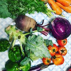 Farmer's market haul - all organic veggies for the week #wfpb #vegan #farmersmarket #grocery #zerowaste #organic #locallygrown by veggiejoyce