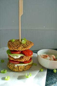 Falafel Burger Falafel Burgers, Salmon Burgers, Dip, Ethnic Recipes, Food, Gluten Free Recipes, Healthy Recipes, Food Food, Simple