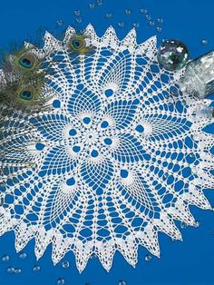 Peacocks and Pineapples Doily free pattern