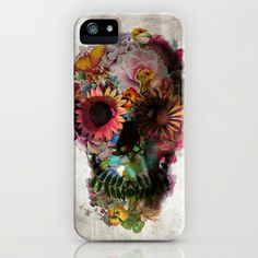 This case is well-designed because of the complex color contrast (along with the contrast between life and death in the art portion of it) and the way the main design is centered with white space around it. This design uses elements of nature to depict a skull, a graphic that is and has been a popular element of artistic design. The white space around the skull, with all its vivid colors, draws the attention to the skull itself and causes you to pay attention to the artistic skill exhibited.