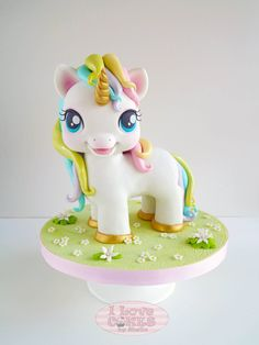 Cake decorating isn't quite as hard as it looks. Listed below are a couple of straightforward suggestions and tips to get your cake decorating job a win Fondant Figures, 3d Cakes, Cupcake Cakes, Beautiful Cakes, Amazing Cakes, My Little Pony Cake, Unicorn Cake Topper, Unicorn Cakes, Unicorn Party