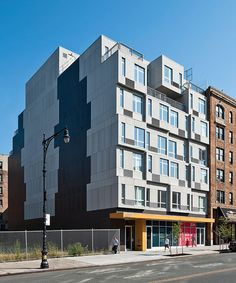 It Took Less Than A Month To Assemble This Entirely Modular Apartment Building In Nyc