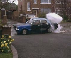 Ford Cortina (Keeping Up Appearances) British Humor, British Comedy, Keeping Up Appearances, Tv Funny, Perfect Road Trip, Great British, Keep Up, Classic Tv, Ford