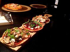 Pita Bread, Vegetable Pizza, Thursday, Brunch, Meals, Recipes, Diy, Food, Meal
