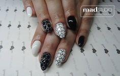 SPN Nails UV laQ wedding dress, black tulip