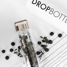 My morning just got a lot prettier and healthier with this gorg @dropbottle  I swear we are going to be best friends from now on.  #dropbottle #detoxwater