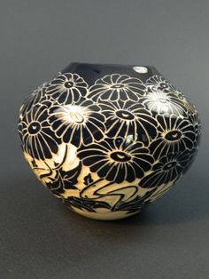 Daisy Vase. Cobalt pottery