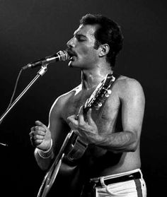 """Freddie Mercury singing """"Crazy Little Thing Called Love"""" Freddie Mercury Tattoo, Freddie Mercury Quotes, Queen Freddie Mercury, Queen Lead Singer, Freedie Mercury, King Of Queens, Roger Taylor, Somebody To Love, Queen Band"""