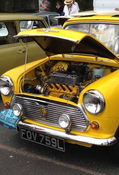 #Morris #mini yellow 848cc 1972 . now that's how a engine should be pic.twitter.com/C7wRIDbfV4