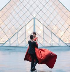 "312 Likes, 4 Comments - Kiss Me in Paris (@kissinpariscom) on Instagram: ""Love is in the air #kissinparis #kissinpariscom"""