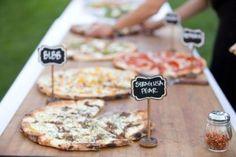 19 Fun Ways To Organize A Pizza Food Bar At Your Wedding Pizza Wedding, Wedding Reception Food, Brunch Wedding, Wedding Catering, Buffet Wedding, Wedding Receptions, Wedding Ideas, Trendy Wedding, Food Truck Wedding