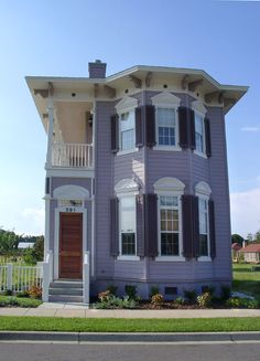 1000 images about charleston single house on pinterest for Charleston row houses