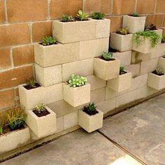 Easy and cheap garden wall diy