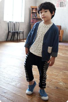 Love these pants! The stripy sides contain pockets.