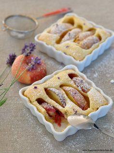 Clafoutis aux pêches et à la lavande (Lavendel-Pfirsisch Clafoutis) | Französisch Kochen by Aurélie Bastian
