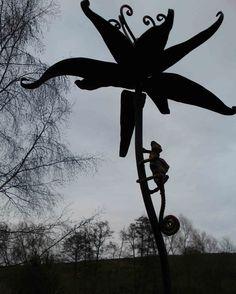 Sculpture and garden art , artistic metal furniture and gates - Garden Art Gallery