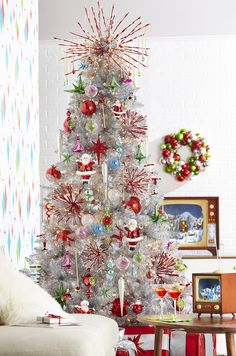 All is Bright Christmas Tree by RAZ Imports - Happy Christmas - Noel 2020 ideas-Happy New Year-Christmas Retro Christmas Tree, Elegant Christmas Trees, Christmas Trends, Modern Christmas, Christmas 2019, Prim Christmas, Christmas Picks, Father Christmas, Christmas Design