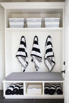 DIY Pool house renovation- Inside Tour- The dressing room has a bench with lots of towels, and bins with goggles, sunscreen and extra bathing suits for those who may have forgotten theirs Pool House Bathroom, Pool House Decor, Garage Bathroom, Small Pool Houses, Small Pools, Pool Changing Rooms, Pool House Interiors, Pool Shed, Pool House Designs