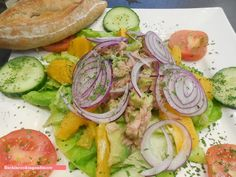 fischi`s cooking and more. Avocado, Fresh Rolls, Vegetables, Cooking, Ethnic Recipes, Food, Salads, Mediterranean Kitchen, Eat Lunch