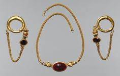 Necklace and earrings, Late Hellenistic, 1st century b.c.GreekGold, garnet, agate; L. of necklace