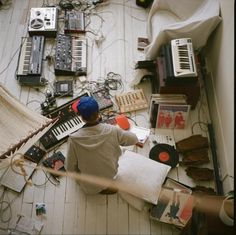Inspiration 1: Instruments - synths, acoustics, electrical mixed together to make an amalgamation of sounds
