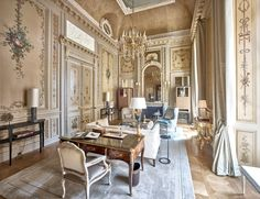 Hôtel de Crillon, A Rosewood Hotel re-opens after undergoing an extensive four-year restoration. Dating back to the 18th century, this historic treasure is decidedly reborn as a luxury hotel for 21st century travellers.