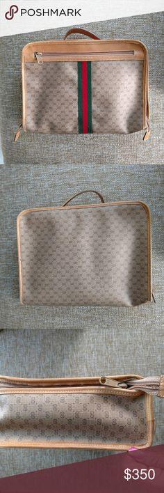 fc8a3910e6b3 Rare Vintage Gucci Toiletry Bag Travel Cosmetic This rare authentic vintage  Gucci bag is in good