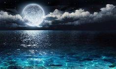 Full Moon in Aquarius - East Hampton - NY