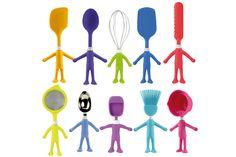 Que tal incentivar as crianças a ter maior contato com a culinária? Essa foi a ideia que inspirou a linha americana Headchefs a trazer os utensílios de cozinha em forma de bonequinhos para o Brasil. Com cabos de silicone, ainda têm ventosas nos pezinhos para que permaneçam em pé. (Editora Globo) #kitchen #culinary #utensils