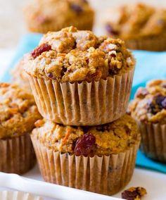 """Los """"Morning Glory Muffins"""" son muffins hechos con manzanas, hay muchas recetas y variaciones. yo arme mi receta y obtuve 12 deliciosos..."""