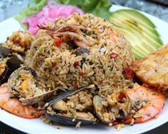 Arroz marinero o arroz con mariscos.