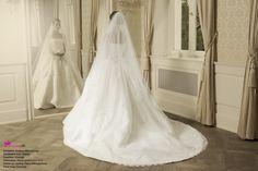 Beautiful wedding dress. Photo by ocarujuca.sk