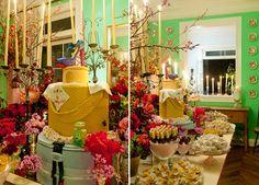 Jantar de aniversário colorido