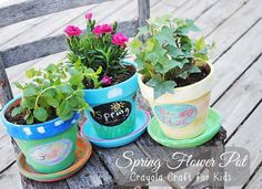DIY SPRING FLOWER POTS: This Crayola Craft for kids is perfect Springtime fun and adorable decor!