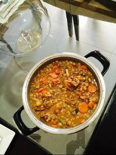 Great recipe for Samp and beans with beef and veggies. One of my favorite South African traditional dishes and one of Nelson Mandela's favorites. Bean Recipes, Veggie Recipes, Cooking Recipes, Yummy Recipes, Creamy Samp Recipe, Homemade Banana Bread, South African Recipes, Savoury Dishes, Different Recipes