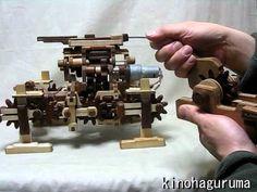 木の四足歩行ロボット2010 Wooden 4-legged robot - YouTube