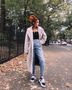 Cozy weekend look 🐻 coat jeans Body, Asos Us, Videos Kawaii, Luanna Perez, Healthy People 2020 Goals, Skinny, Pulls, Mom Jeans, 70s Fashion
