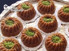 Mısır Unlu Pekmezli Helva Tarifi nasıl yapılır? Mısır Unlu Pekmezli Helva Tarifi malzemeleri, aşama aşama nasıl hazırlayacağınızın resimli anlatımı ve deneyenlerin yorumlarıyla burada Waffles, Muffin, Breakfast, Desserts, Food, Morning Coffee, Tailgate Desserts, Deserts, Essen
